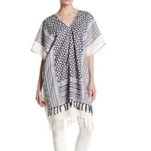 NWT David & Young Pattern Poncho One Size